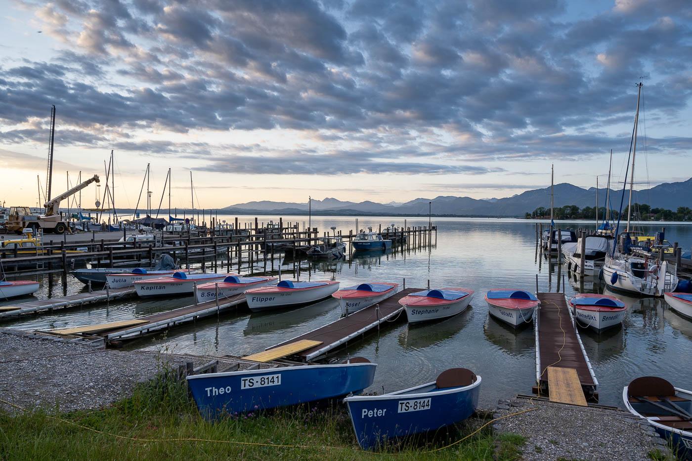 Morgen im Hafen von Gstadt